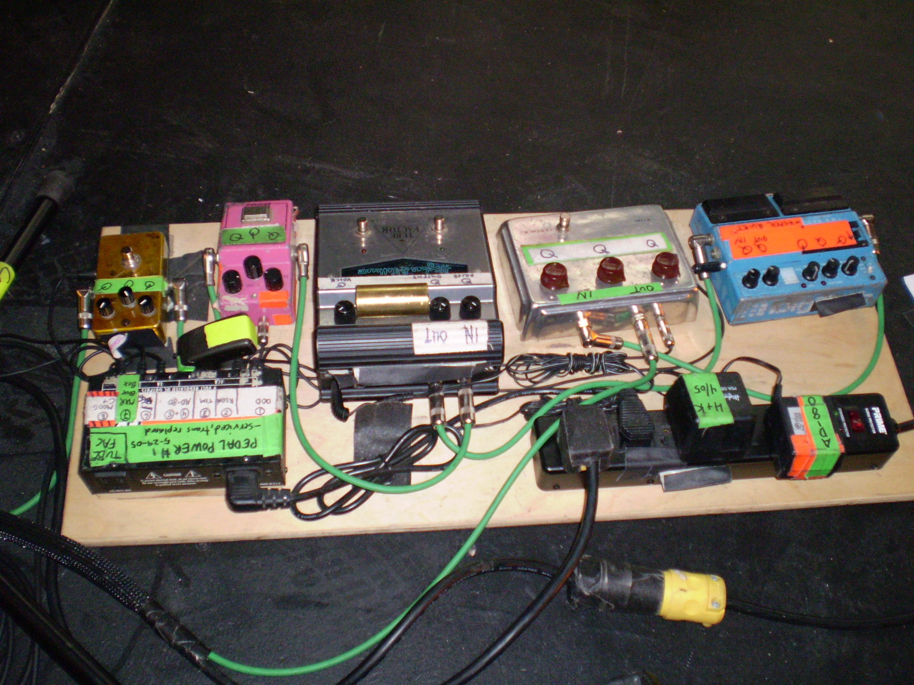 Lee Ranaldo Heres A Closeup Of The Wah Circuit 2007