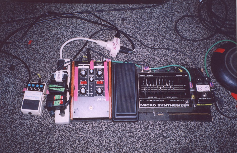 electro harmonix micro synthesizer reviews prices equipboard. Black Bedroom Furniture Sets. Home Design Ideas